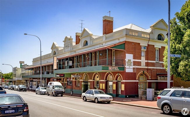 Town Buildings - Explored Visions - Hordern Hotel